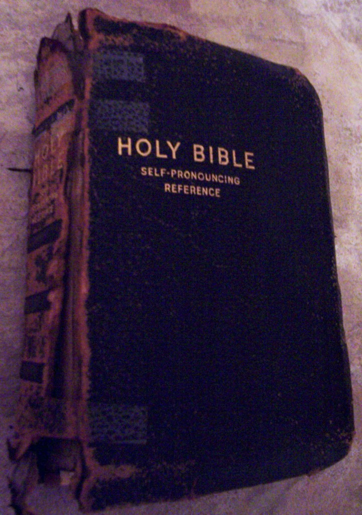 BR10- Gillespie Blaine Eastham (1883-1963)Bible, Pulaski Co., KY, Front cover